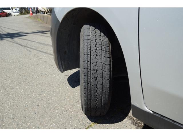 タイヤ溝も4本ともしっかりあります