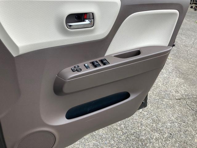 ドルチェX SDナビフルセグ ウインカーミラー 修復歴無 バックカメラ AW 4名乗り オーディオ付 スマートキー プッシュスタート オートライト オートエアコン 専用レザーシート(7枚目)
