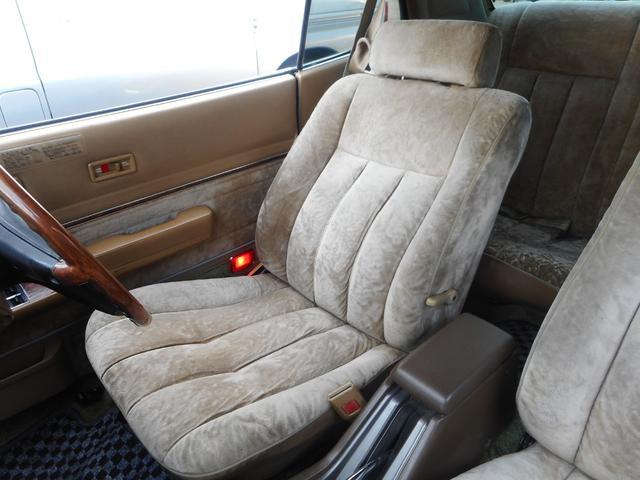 ☆運転席シート☆フカフカで質感の良いファブリックシートです♪
