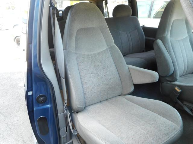 ☆助手席☆質感の良いファブリック素材で快適にドライブ頂けます♪