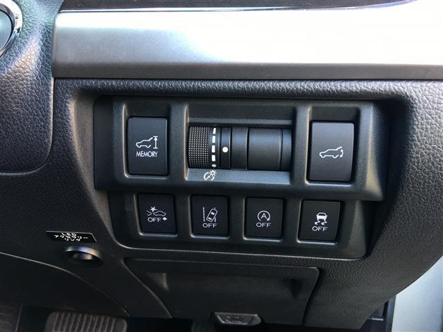 2.5 4WD 8インチナビ フルセグTV アイサイト 電動バックドア(7枚目)
