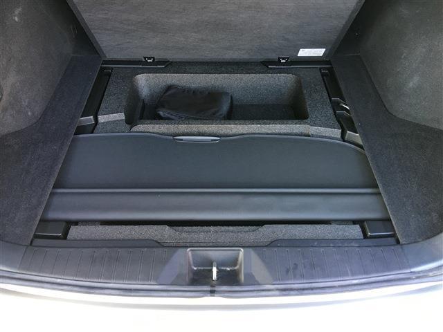 2.5 4WD 8インチナビ フルセグTV アイサイト 電動バックドア(28枚目)