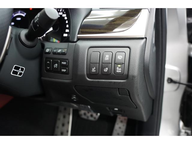 ステアリングヒーター ブラインドスポットモニター ヘッドアップディスプレイ装備