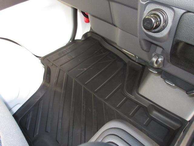 SDX 届出済未使用車 フル装備 ABS 新品用品3点付き(18枚目)