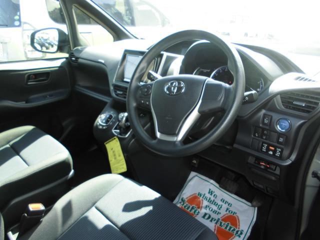 トヨタ ノア ハイブリッドX ディライトプラス 8型ナビ セーフティセンス
