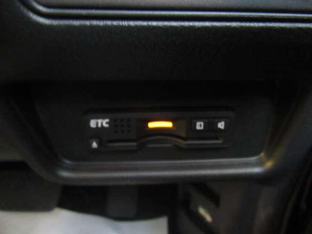 アブソルート メモリーナビ フルセグTV アイドリングストップ ワンオーナー アルミホイール 両側電動スライドドア スマートキー バックカメラ ETC 衝突防止システム Bluetooth接続 盗難防止システム(9枚目)