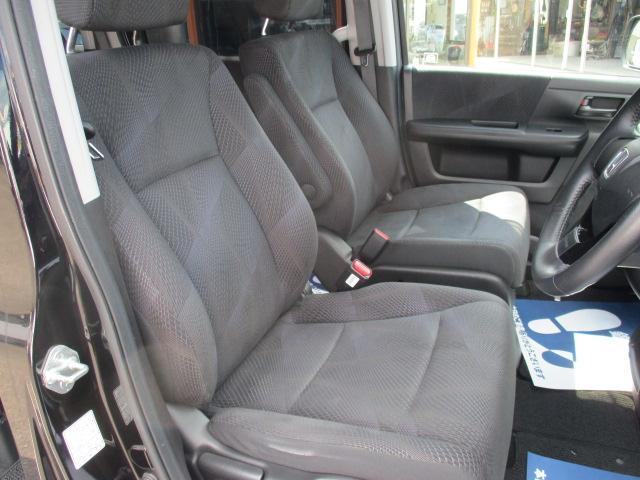 S オートエアコン HIDヘッドライト キーレス 盗難防止システム ABS 左パワースライド 社外ナビ・フルセグ パドルシフト(11枚目)