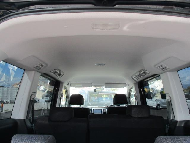 S オートエアコン HIDヘッドライト キーレス 盗難防止システム ABS 左パワースライド 社外ナビ・フルセグ パドルシフト(15枚目)