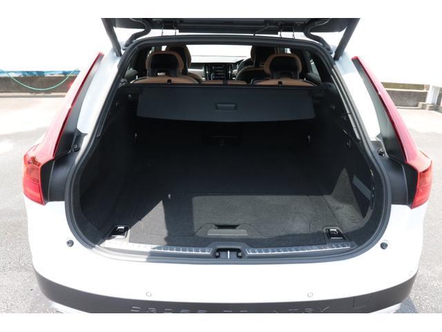 クロスカントリー T5 AWD モメンタム 茶本革(17枚目)