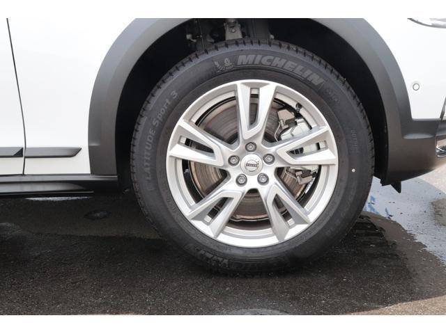 クロスカントリー T5 AWD モメンタム 茶本革(18枚目)