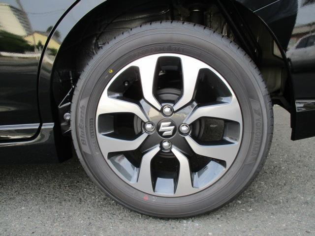☆純正15インチアルミホイールです。☆タイヤのメーカーはヨコハマのBluearthです。☆タイヤサイズは、165/65R15-81Sです。