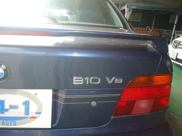 BMWアルピナ アルピナ B10 V8リムジン ニコル物
