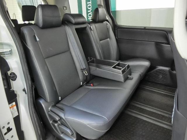 Gi トヨタセーフティセンス 8人乗り 両側電動スライドドア ドライブレコーダー 後席モニター ETC スマートキー クルーズコントロール LEDヘッドライト 純正15インチアルミホイール 禁煙車(5枚目)