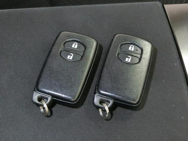S チューン ブラック ハイブリッド ワンオーナー 安全装備 横滑り防止機能 ABS エアバッグ 盗難防止装置 バックカメラ ETC ミュージックプレイヤー接続可 CD スマートキー キーレス フル装備 LEDヘッドランプ(13枚目)