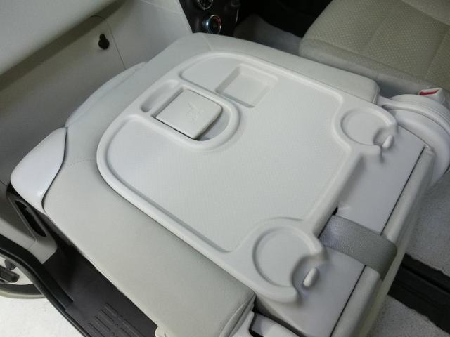 助手席シートはアレンジ次第で使い道がいろいろ。