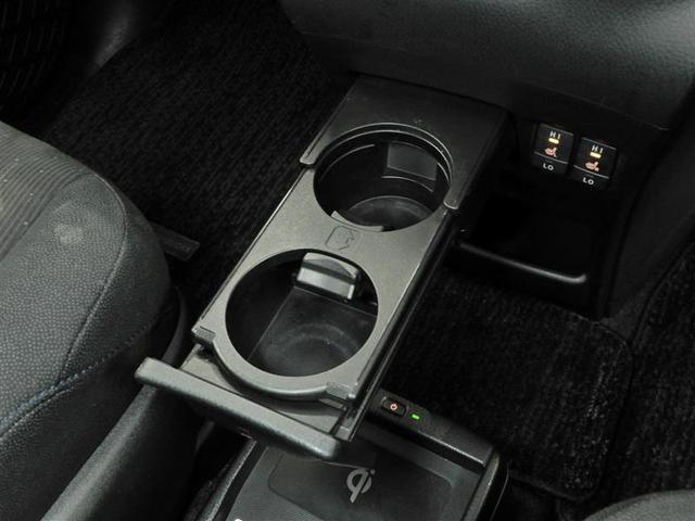 V ハイブリッド 両側電動スライド オートクルーズコントロール LEDヘッドランプ メモリーナビ 後席モニター バックカメラ ETC フルセグ DVD再生 CD アルミホイール スマートキー キーレス(8枚目)