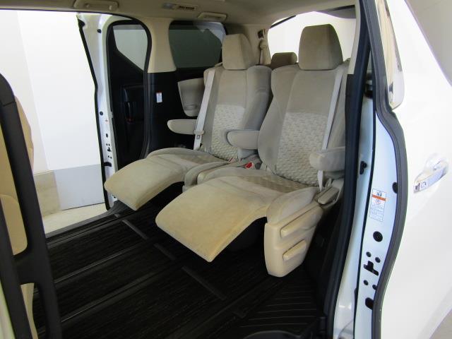 X メモリーナビ フルセグ バックカメラ DVD再生 後席モニター 4WD スマートキー ETC LEDヘッドランプ 両側電動スライド 3列シート 乗車定員7人 オートクルーズコントロール ワンオーナー(13枚目)