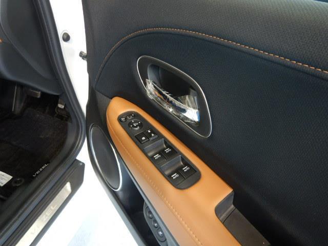 ハイブリッドZ・ホンダセンシング ハイブリッド ワンオーナー 寒冷地 4WD ハーフレザー 電動シート 安全装備 衝突被害軽減システム 横滑り防止機能 ABS エアバッグ オートクルーズコントロール 盗難防止装置 バックカメラ ETC(16枚目)