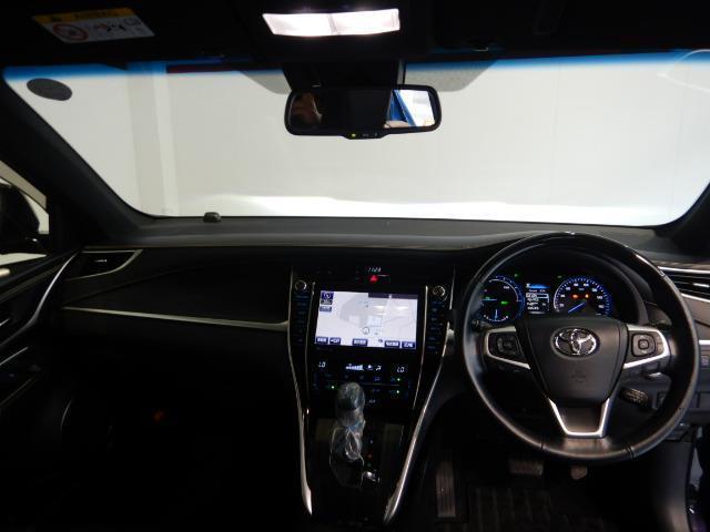 プログレス ハイブリッド ワンオーナー 4WD ハーフレザー 電動シート 安全装備 衝突被害軽減システム 横滑り防止機能 ABS エアバッグ 盗難防止装置 バックカメラ ETC ミュージックプレイヤー接続可 CD(11枚目)