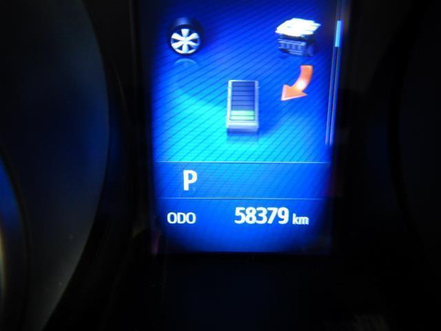 S ハイブリッド ワンオーナー 安全装備 衝突被害軽減システム 横滑り防止機能 ABS エアバッグ 盗難防止装置 バックカメラ ETC ミュージックプレイヤー接続可 CD スマートキー キーレス フル装備(17枚目)
