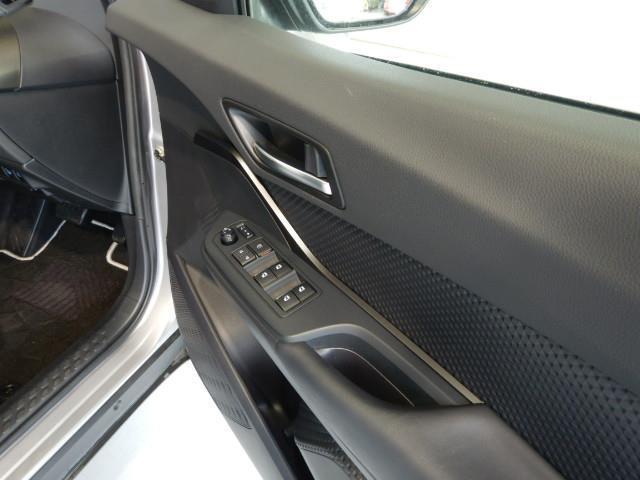 S ハイブリッド ワンオーナー 安全装備 衝突被害軽減システム 横滑り防止機能 ABS エアバッグ 盗難防止装置 バックカメラ ETC ミュージックプレイヤー接続可 CD スマートキー キーレス フル装備(23枚目)