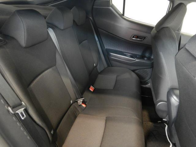 S ハイブリッド ワンオーナー 安全装備 衝突被害軽減システム 横滑り防止機能 ABS エアバッグ 盗難防止装置 バックカメラ ETC ミュージックプレイヤー接続可 CD スマートキー キーレス フル装備(25枚目)