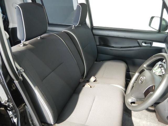 カスタム RS ABS エアバッグ 盗難防止装置 アイドリングストップ バックカメラ ミュージックプレイヤー接続可 CD スマートキー キーレス フル装備 HIDヘッドライト アルミホイール オートマ ベンチシート(12枚目)