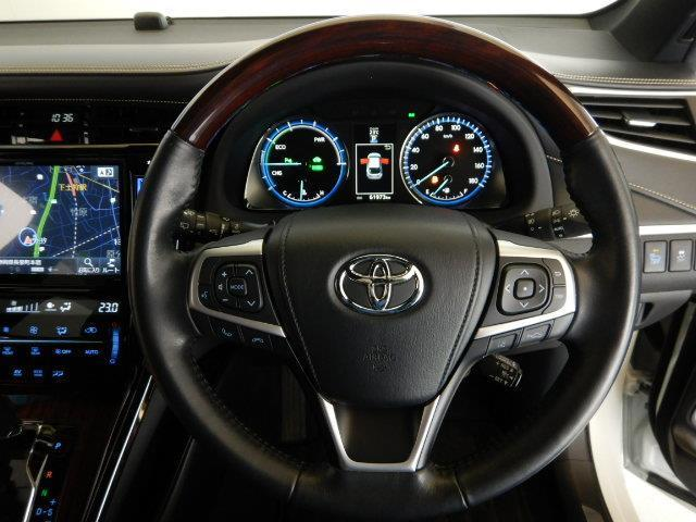 プレミアム ハイブリッド ワンオーナー 4WD 電動シート 安全装備 衝突被害軽減システム 横滑り防止機能 ABS エアバッグ オートクルーズコントロール 盗難防止装置 アイドリングストップ バックカメラ ETC(10枚目)