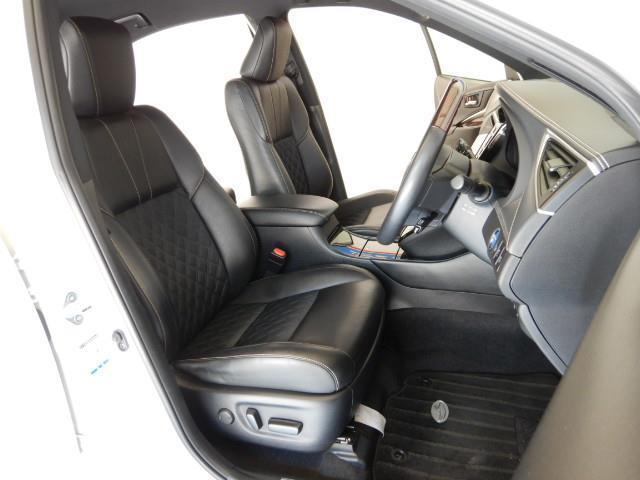 プレミアム ハイブリッド ワンオーナー 4WD 電動シート 安全装備 衝突被害軽減システム 横滑り防止機能 ABS エアバッグ オートクルーズコントロール 盗難防止装置 アイドリングストップ バックカメラ ETC(16枚目)