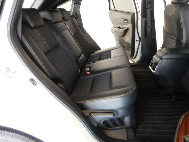 プレミアム ハイブリッド ワンオーナー 4WD 電動シート 安全装備 衝突被害軽減システム 横滑り防止機能 ABS エアバッグ オートクルーズコントロール 盗難防止装置 アイドリングストップ バックカメラ ETC(17枚目)
