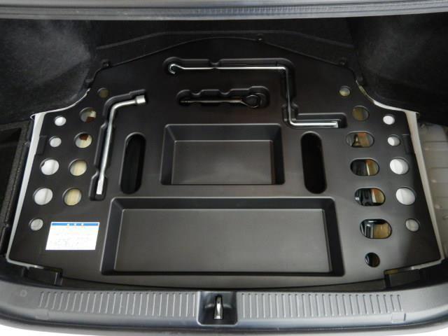 250G 電動シート 安全装備 横滑り防止機能 ABS エアバッグ 盗難防止装置 バックカメラ ETC ミュージックプレイヤー接続可 CD スマートキー キーレス フル装備 HIDヘッドライト アルミホイール(18枚目)