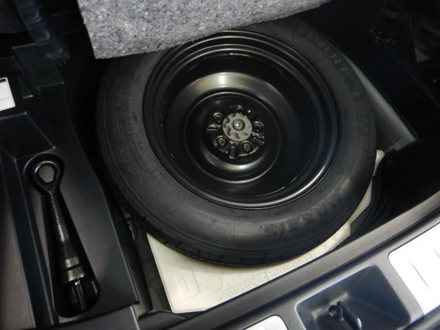 プレミアム アドバンスドパッケージ ハイブリッド ワンオーナー 4WD ハーフレザー 電動シート 安全装備 衝突被害軽減システム 横滑り防止機能 ABS エアバッグ オートクルーズコントロール 盗難防止装置 バックカメラ ETC CD(28枚目)