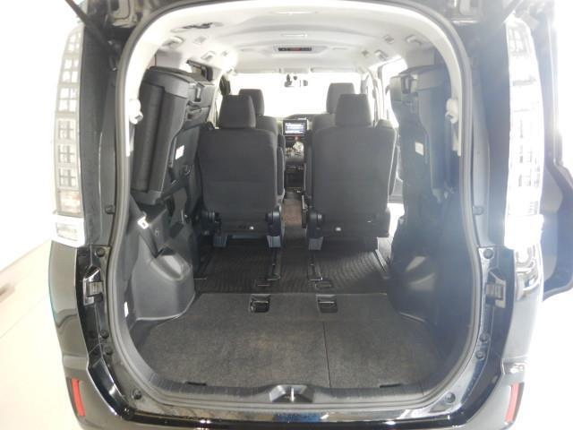 ハイブリッドV ハイブリッド ワンオーナー 横滑り防止機能 ABS エアバッグ オートクルーズコントロール 盗難防止装置 バックカメラ ETC ミュージックプレイヤー接続可 CD スマートキー キーレス フル装備(31枚目)