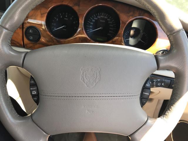 「ジャガー」「XJ」「セダン」「静岡県」の中古車15