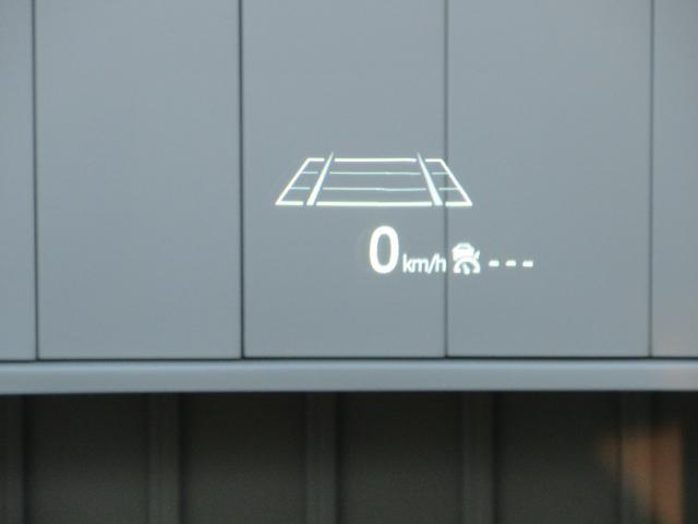 エアコン操作パネルです。運転席、助手席のシートヒーターもコチラで操作できます!