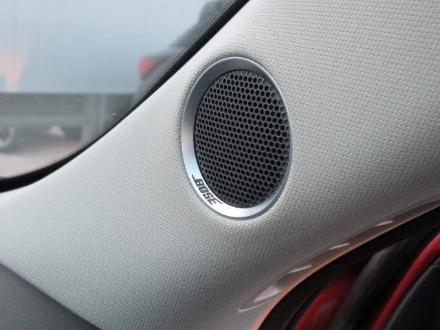 ハンドル右側スイッチ類は、MRCC(レーダークルーズコントロール)の操作スイッチです。高速道路で重宝します!