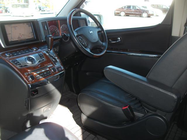 日産 エルグランド 250ハイウェイスター ブラックレザーナビエディション