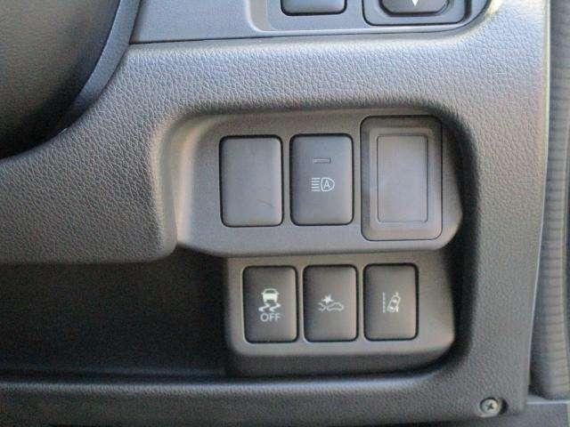 運転席回りのスイッチ類です。