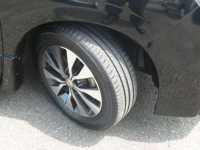 タイヤは6部山です