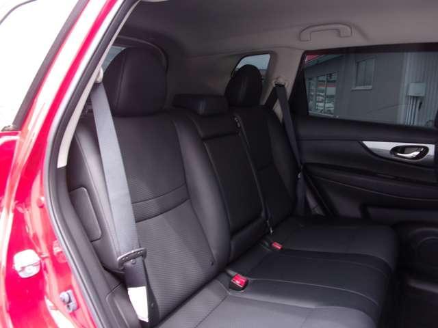 2.0 20X ブラック エクストリーマーX エマージェンシーブレーキ パッケージ 2列車 4WD(6枚目)