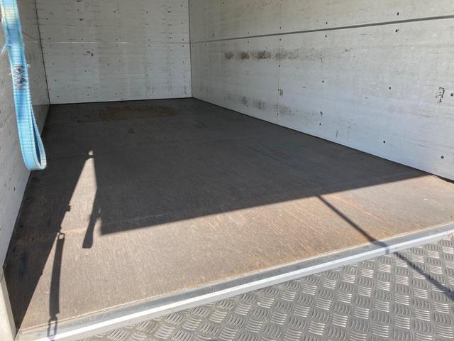 ロング 1.95tパネルバンロング ディーゼルターボ バックカメラ キーレス ABS 電動ミラー はね上げゲート 階段付き 外装鈑金ペイント(20枚目)