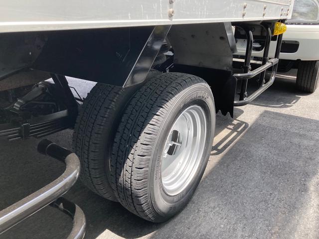 1.5tパネルバン 2000ccガソリン車 バックカメラ キーレス リアシャッター 2段ラッシングレール 総重量3425kg(10枚目)