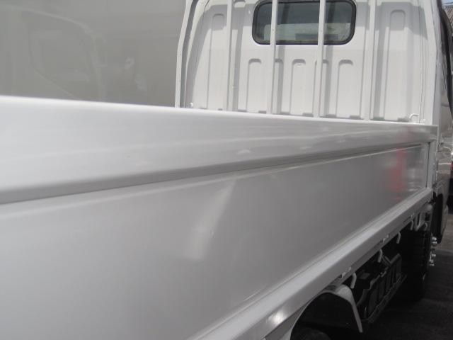 1.5tロング 低床 2000ccガソリン車 ナビ 4ナンバー 5速マニュアル クラッチ付き 3人乗り 3ペダル フル装備(26枚目)