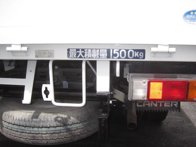 1.5tロング 低床 2000ccガソリン車 ナビ 4ナンバー 5速マニュアル クラッチ付き 3人乗り 3ペダル フル装備(28枚目)
