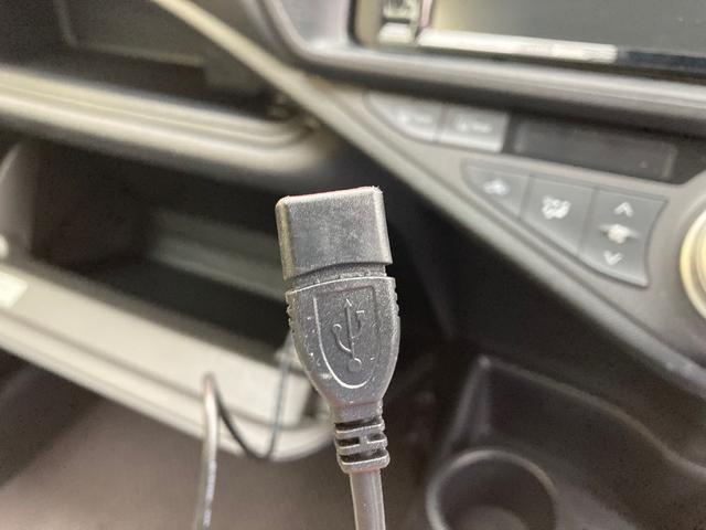 L トヨタセーフティセンス 軽減ブレーキ オートハイビーム レーンアシスト ナビ ETC バックカメラ キーレス ハイブリッド車 Bluetooth(11枚目)