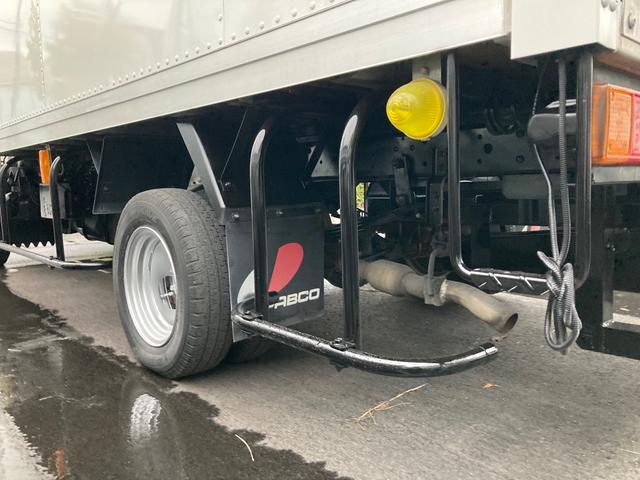 1.35t パネルバン 後輪ダブル バックカメラ 2000ccガソリン車 はね上げゲート 階段付き ラッシングレール 電動格納ミラー(16枚目)