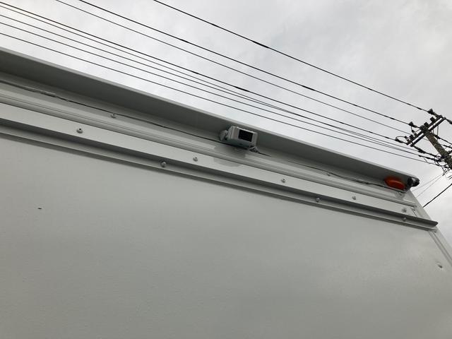 1.35t パネルバン 後輪ダブル バックカメラ 2000ccガソリン車 はね上げゲート 階段付き ラッシングレール 電動格納ミラー(18枚目)