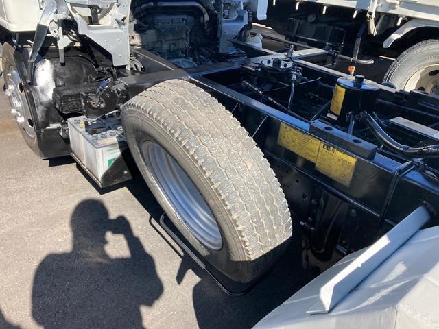 2t 三転ダンプ 後輪ダブル コボレーン ラダーフック付き 外装鈑金ペイント 6速マニュアル ABS エアコン パワーステアリング パワーウィンドウ 運転席エアバッグ(12枚目)