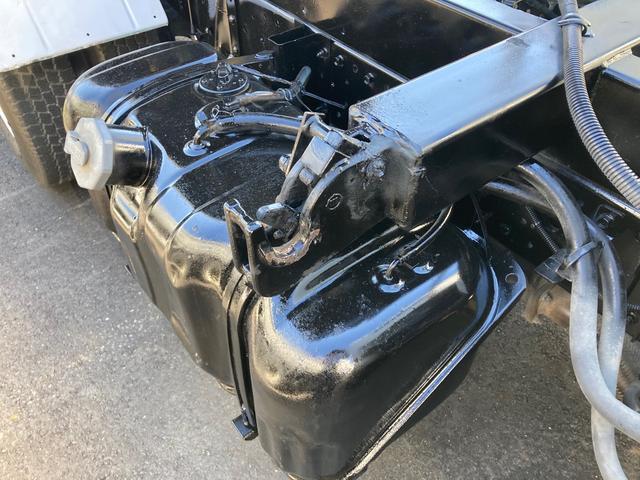 2t 三転ダンプ 後輪ダブル コボレーン ラダーフック付き 外装鈑金ペイント 6速マニュアル ABS エアコン パワーステアリング パワーウィンドウ 運転席エアバッグ(15枚目)