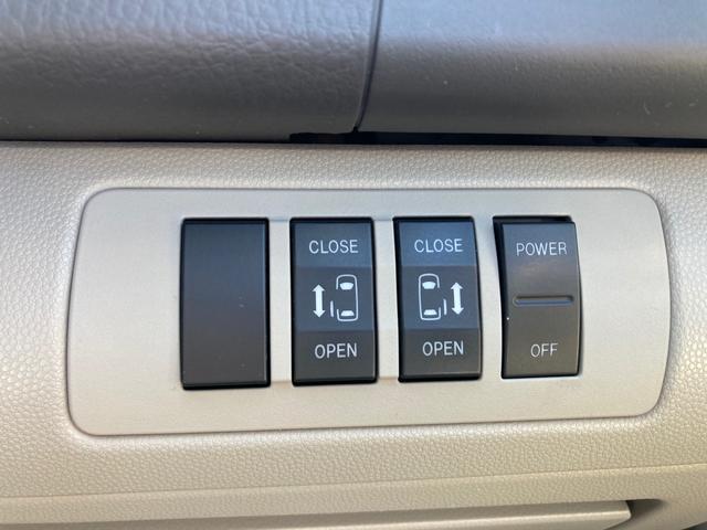 23S ETC ナビ サイド&フロント&バックカメラ 両側電動スライドドア オートライト HID 3列シート フルフラット ウォークスルー オットマン アルミホイール エアロ スマートキー(10枚目)
